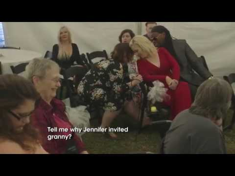 Newly slim Mama June wows in red dress at ex Sugar Bear's wedding 1