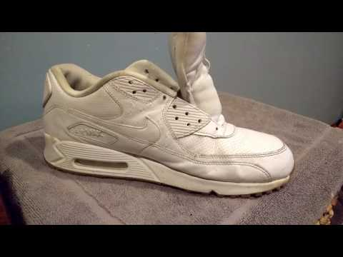 Cleaning White Shoes With Wipes
