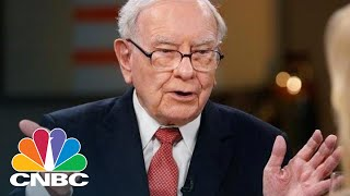 Warren Buffett On The Economy, The Annual Shareholder Meeting, And Apple | CNBC