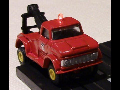Tow truck slot car