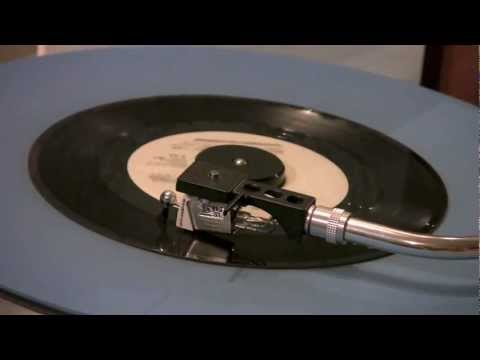 Reunion - Life Is A Rock (But The Radio Rolled Me) - 45 RPM