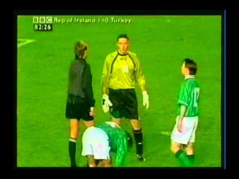 1999 (November 13) Republic of Ireland 1-Turkey 1 (EC Qualifier).avi