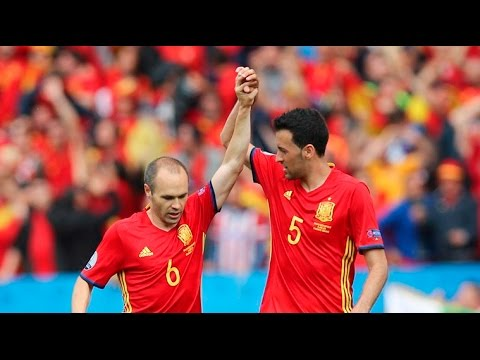 "Iniesta & Busquets ""Spanish Artists"""