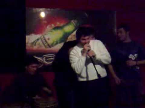 Seba y Fer cantando Karaoke