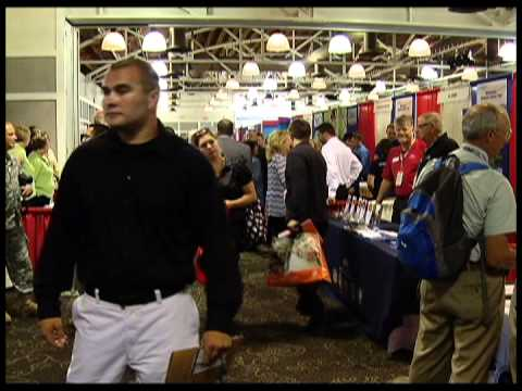 Search for employment draws hundreds of veterans to Brooklyn Center