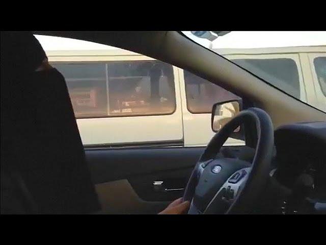 В Саудовской Аравии женщина тоже водитель