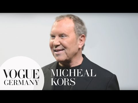 Was motiviert Designer Michael Kors? Interview NY Fashion Week | VOGUE Behind the Scenes