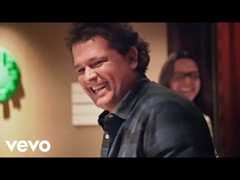 Carlos Vives, Martín Elías - 10 Razones Para Amarte (Official Video)