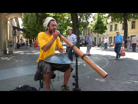 Best Street Performer Ever (Didgeridoo & Hangdrum) - Jesse Lethbridge
