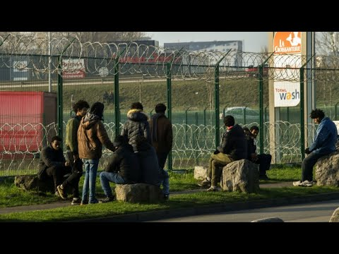France Migrants Crisis: Macron in Calais, pressures UK to pay up