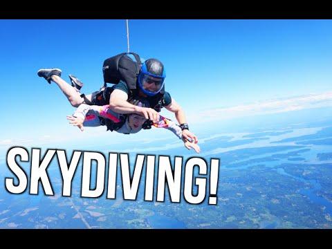 I WENT SKYDIVING!