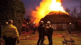 GPTV  Grote boerderijbrand aan Overburen in Peperga