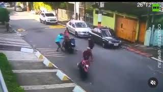 Instant karma: Robbers didn't see the police coming so fast