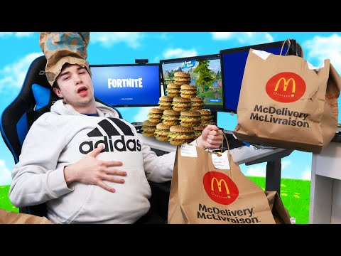 Every death I EAT FOOD From MCDONALDS In Fortnite