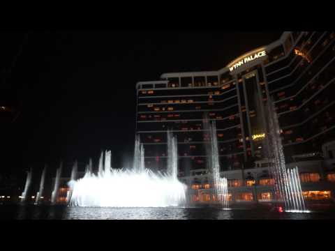 Amazing: Macau Wynn - Water Fountain Show: Consider Yourself - Michael Goodman & Bruce Prochnik