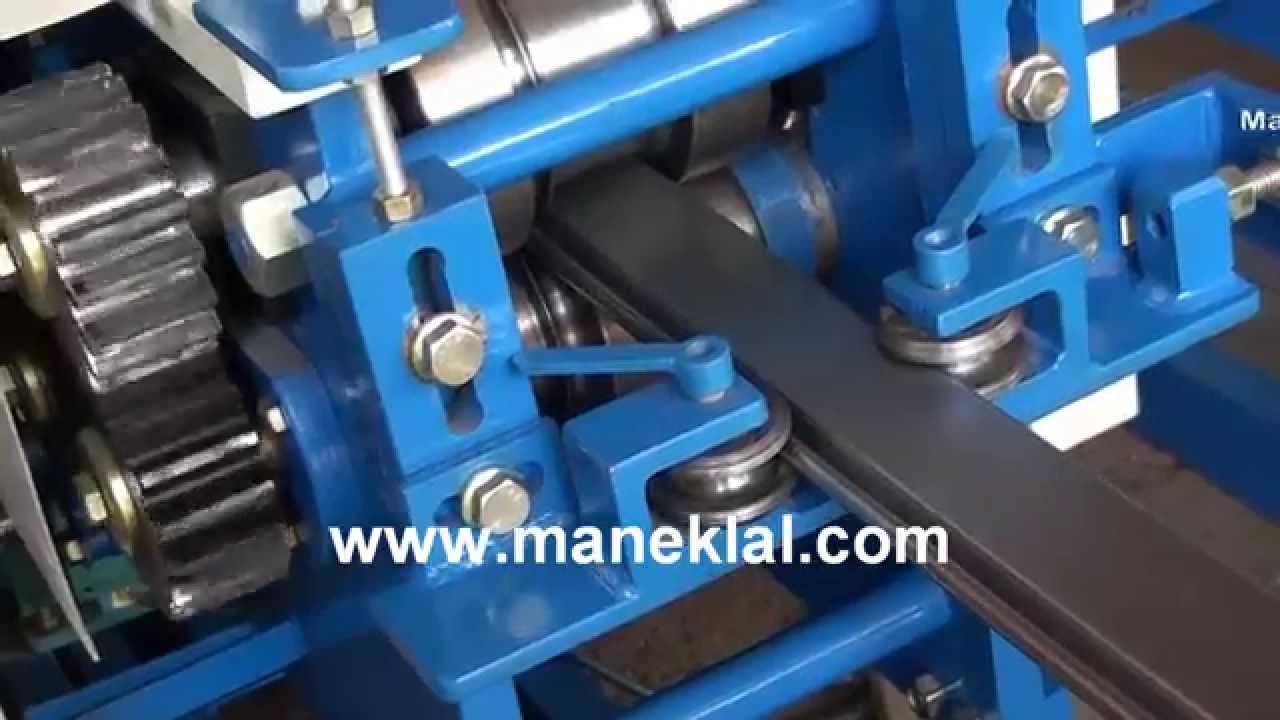 Manek Rolling Shutter Strip Making Machine Model Rss 4