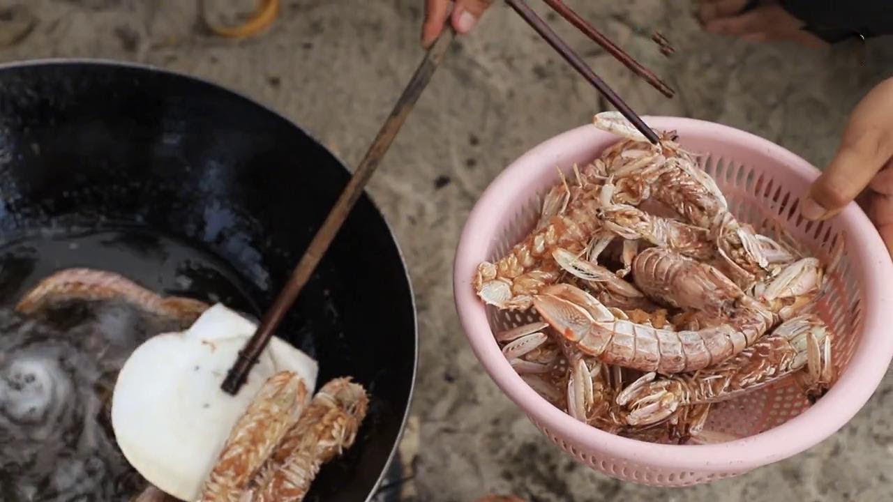 都說皮皮蝦吃起來沒肉。跟著小漁學做皮皮蝦。可以大口的吃肉【漁小仙】 - YouTube