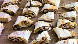 Слоеные треугольники с картошкой и грибами. Рецепт из лаваша.