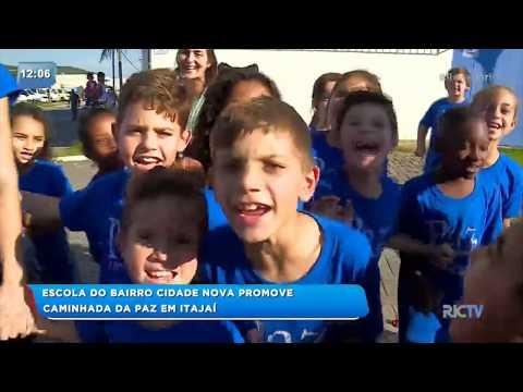 Escola do bairro Cidade Nova promove caminhada da paz em Itajaí