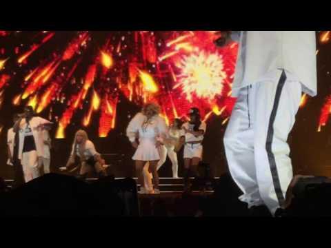 Puff Daddy & Mase - Mo Money Mo Problems @ TD Garden Boston