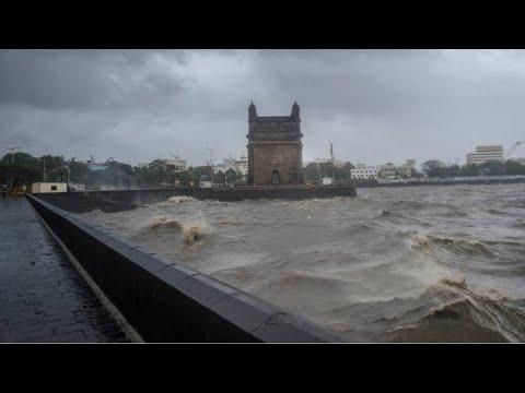 CHAOS at 215 km/h! (130mph) ? Cyclonic India