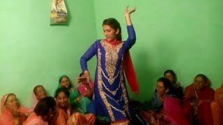 Beautiful Girl Pahari Dance in Marrige    Himachal Traditional culture    Pahari Dance Video 2018