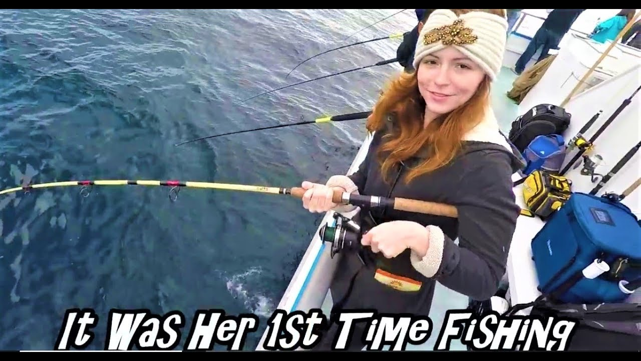 Rockfish fishing out of davey 39 s locker newport beach youtube for Davey s locker fish count