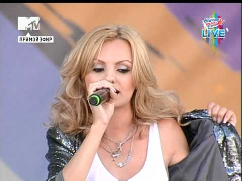 Alexandra Stan - Get Back (ASAP) (Europa Plus Live 2011)