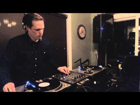 Andrew Boie - All-Vinyl Dub Techno Set - FMPDX December 2013