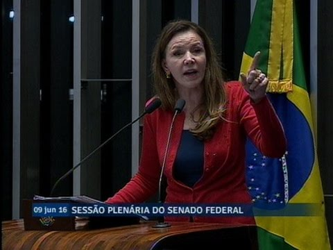 Vanessa Grazziotin critica pressa dos trabalhos na Comissão Especial do Impeachment