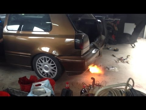 Delicieux VW Golf Mk3 1.8 Kompresor Back Fire!