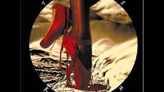 Kate Bush- The red shoes(Kate Bush- the red shoes. from her album the red shoes what a voice this woman has!, 2011-01-24T00:58:24.000Z)