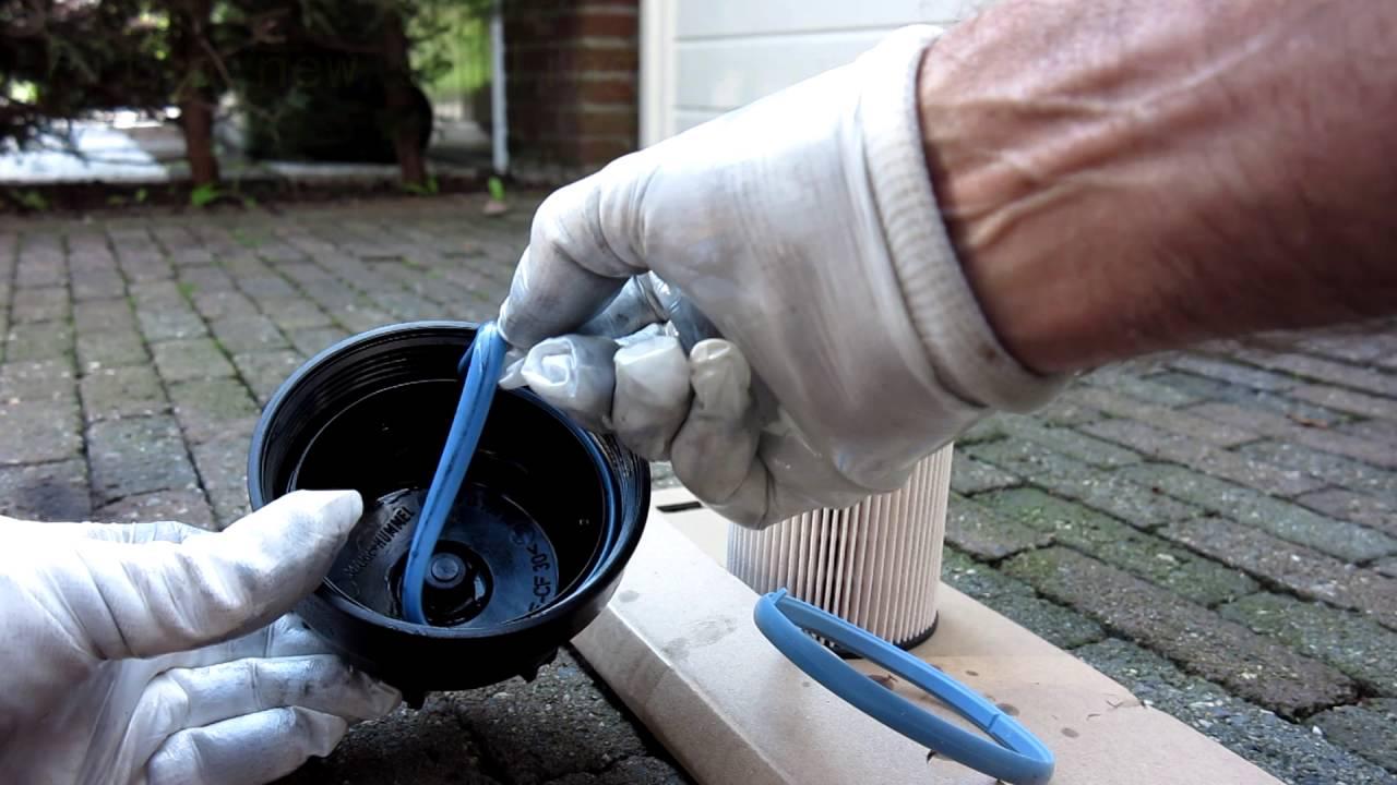 hight resolution of fuel filter replacment volvo v60 2011 diesel