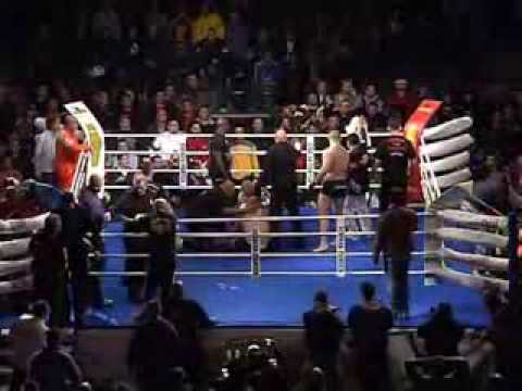 Macedonian vs Bosnian - MMA Fight - Brutal TKO