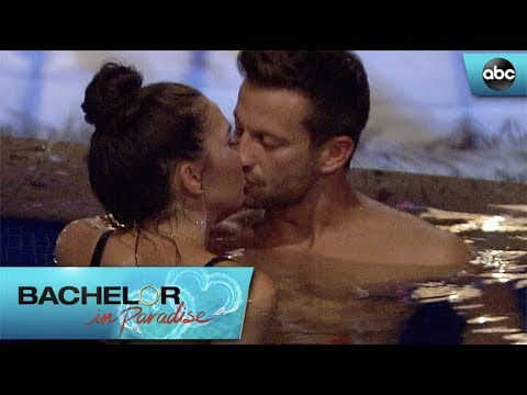 Chris Spends More Time With Jen - Bachelor In Paradise