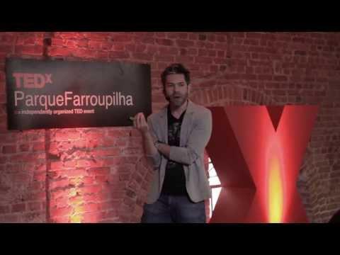 O caminho para pensar diferente cabe em um roteiro: Fred Luz at TEDxParqueFarroupilha