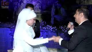 أب يغني 3 دقات لبنتو يوم زواجها بطريقته و تأثر الجميع 😭😭😭