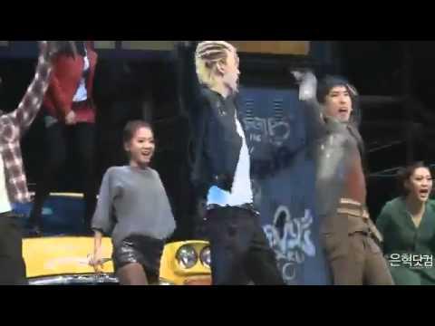 [Fancam] 111123 FAME MUSICAL - Eunhyuk Sing and Dance
