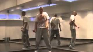 Тренинг по клубным танцам для мужчин!