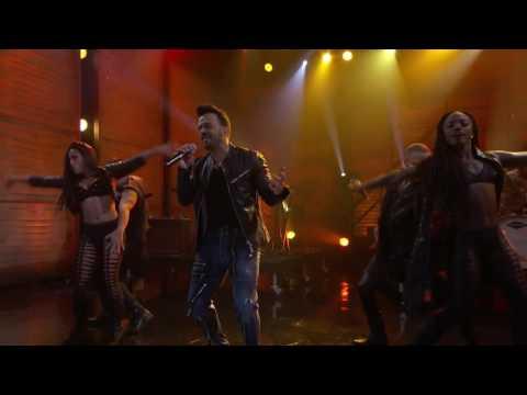 Luis Fonsi -  Despacito (Live From Conan 2017) [Portal Beatz Angola]
