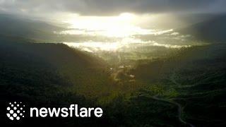بالفيديو.. طائرة بدون طيار تخترق الغيوم وتكشف عن مشهدٍ مذهل