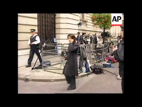 Downing St (outside PM's residence) evacuated