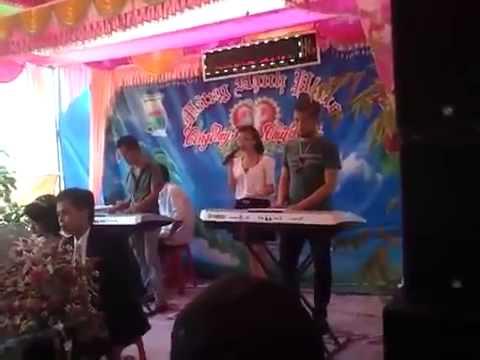 Học sinh hát đám cưới hay hơn cả ca sĩ
