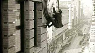 262-01-Lloyd on clock