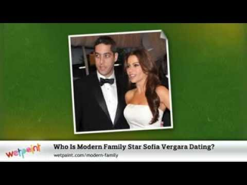 who is dating sofia from modern family Ver vídeo joe manganiello is spending time with sofia vergara,  joe manganiello and sofia vergara are dating  and the modern family star first met in may at the.