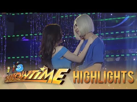 "It's Showtime Miss Q and A: Vice dances with ""Ate Girl"" Jackque"