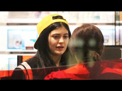 X17 EXCLUSIVE - Kylie Jenner Shops For Cosmetics With No Makeup On