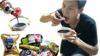 TVV - Chấm Tất Cả Mọi Thứ Bánh Kẹo Với Xì Dầu