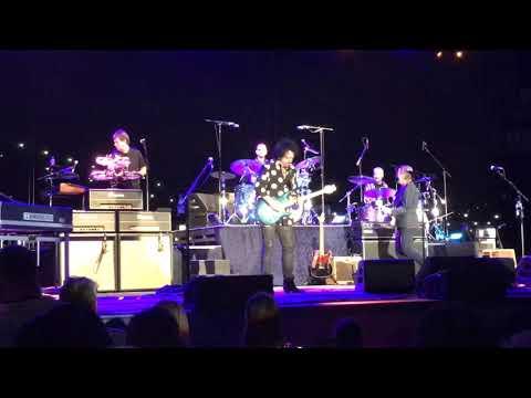 Christie James - Ringo Starr, Colin Hay & Greg Rolie Rock Rooftop Concert