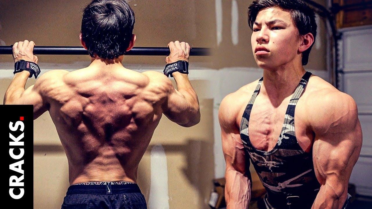 El secreto de este chico de 17 años con músculos de fisicoculturista